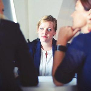 Entretien d'embauche semi-directif et ses variantes : quelles différences ?